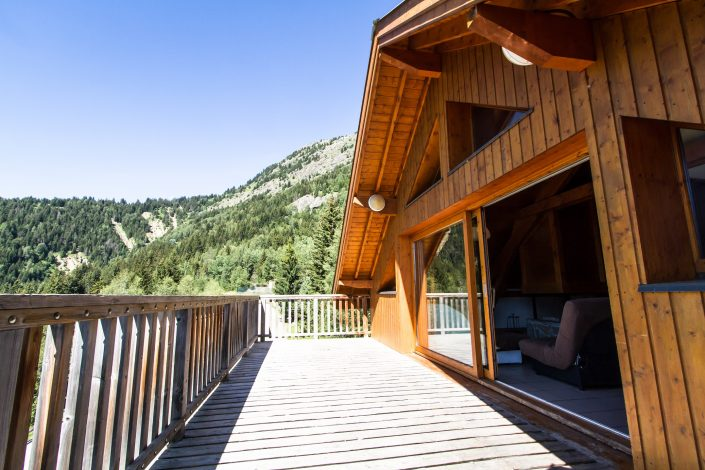 Chalet Beyond Fietshotel Alpe d'Huez balkon