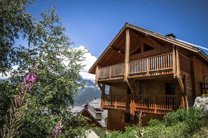 Chalet Beyond Fietshotel Alpe d'Huez balkons