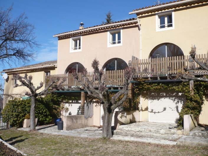 Chalet Beyond Fietshotel Mas des Amerans Mont Ventoux achterkant