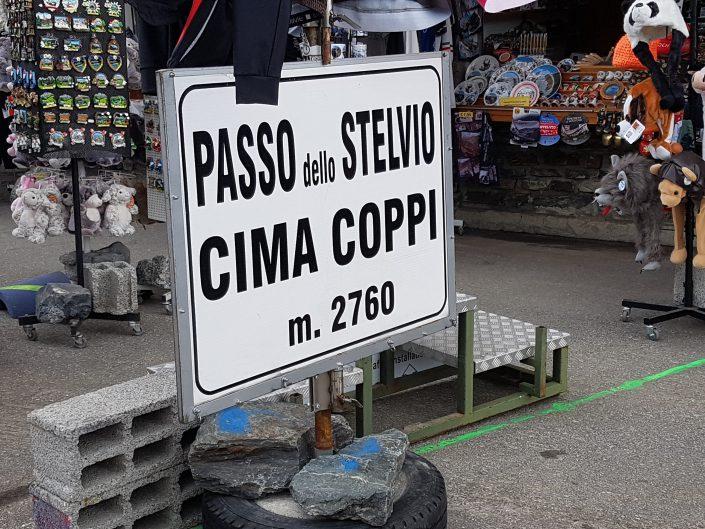 Stelvio Santini
